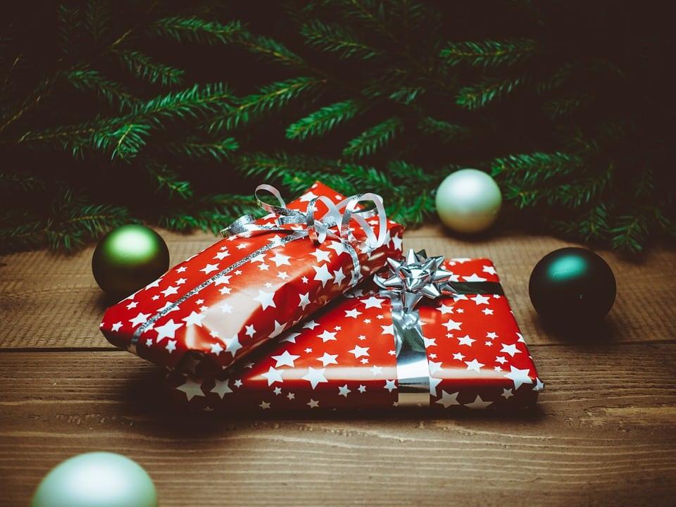 Top 10 cadeaux noël high-tech - Blog SFAM