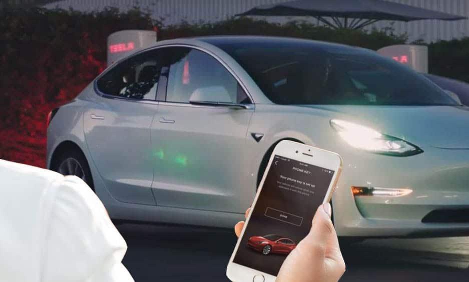 Tesla télécommandée voiture autonome - Blog SFAM
