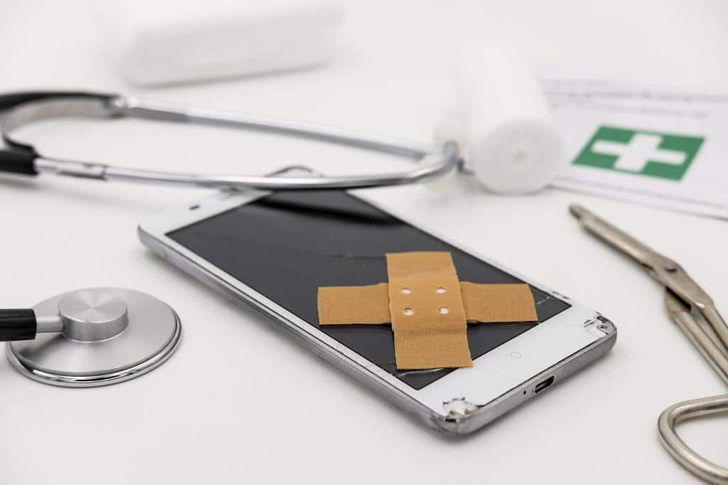 Rayures écran smartphone - Blog SFAM