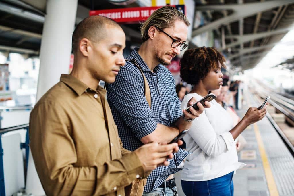addiction smartphone transport - Blog SFAM