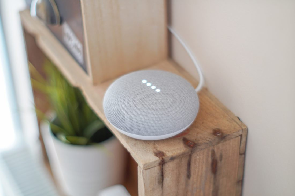 gadget-google-assistant-google-home-blog-sfam