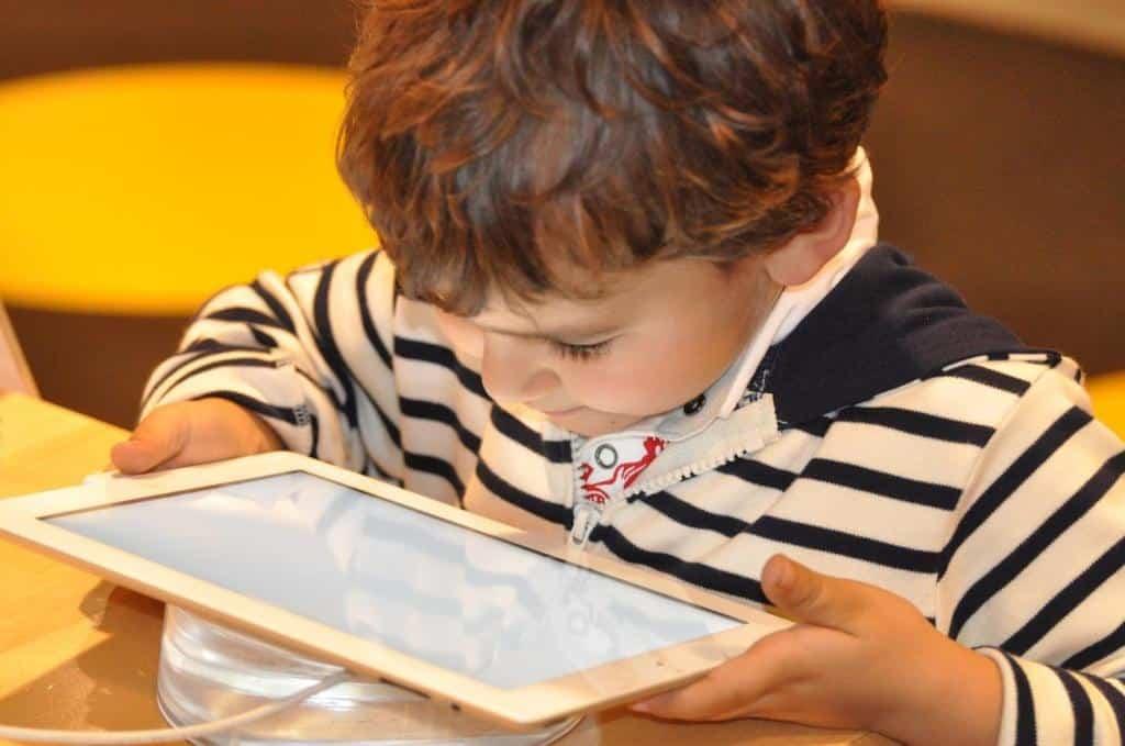 tablettes-enfants-Blog-SFAM