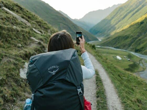 Teléfono móvil aventureros - Celside Magazine