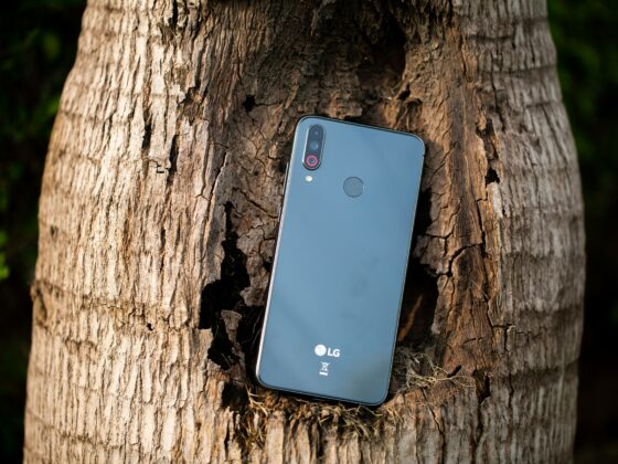 LG V60 ThinQ 5G - Celside Magazine