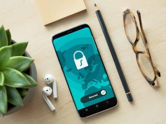 Seguridad teléfono móvil hackers - Celside Magazine