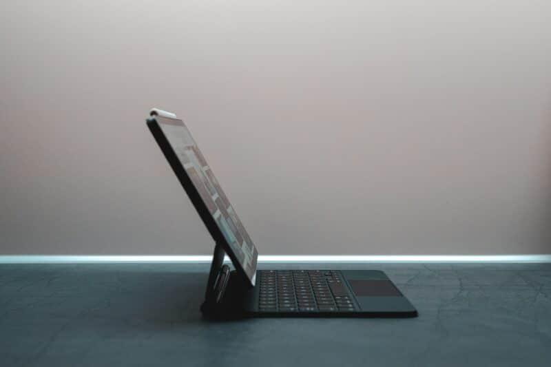 Microsoft Surface Duo - Celside Magazine