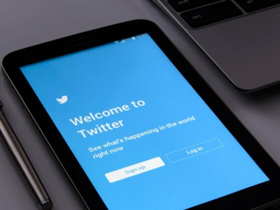 Twitter like información engañosa - Celside Magazine