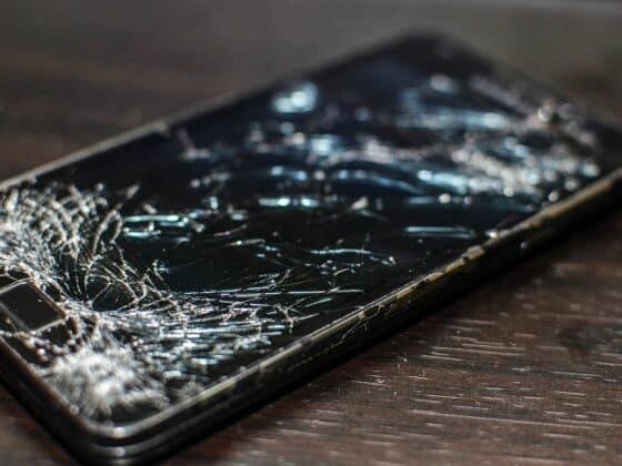 ma fille a casse le portable d un ami - Magazine Celside