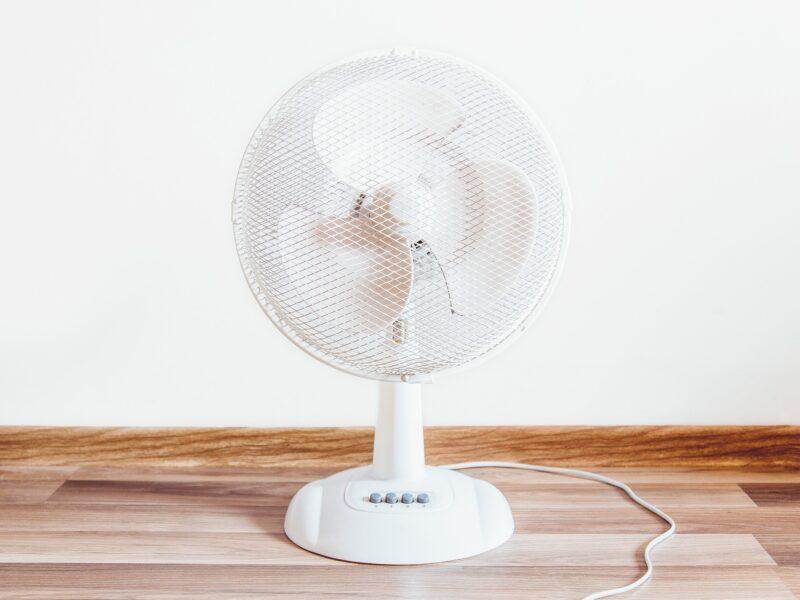 Dormir con ventilador tecnología - Celside Magazine
