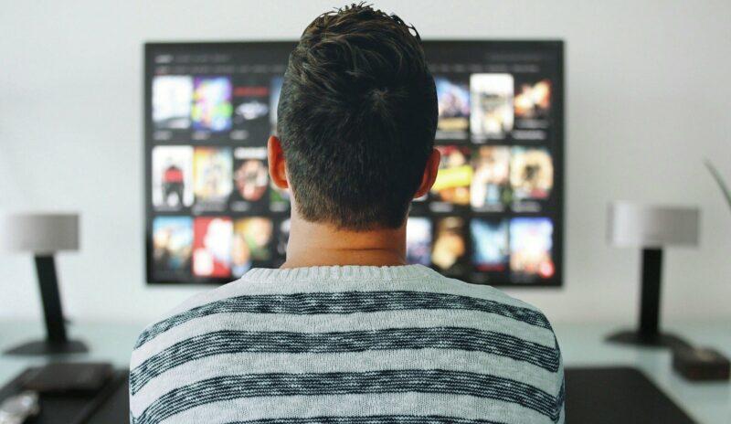 quelle distance regarder tv 4k - Celside Magazine