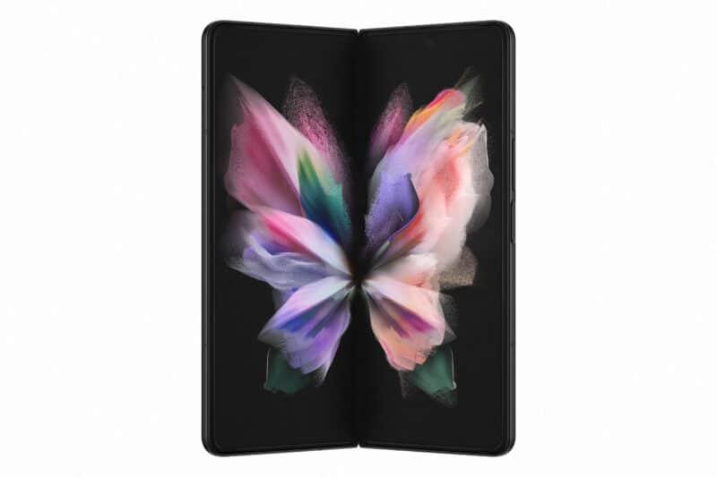 Samsung Galaxy Z Fold3 - Celside Magazine