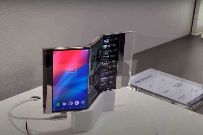 nouveau smartphone samsung plie en trois - Celside Magazine
