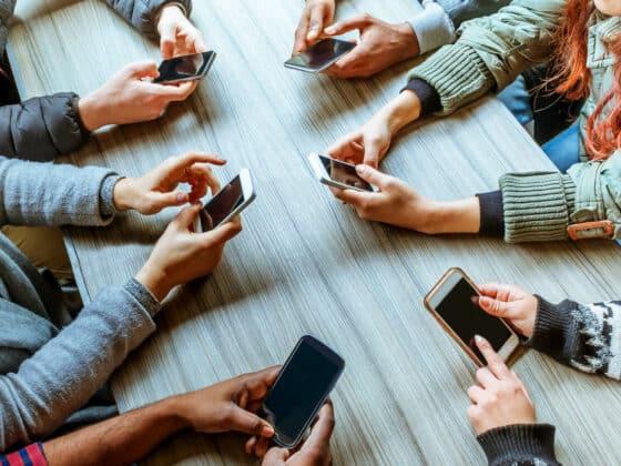quelle relation millenials avec smartphone - Celside Magazine